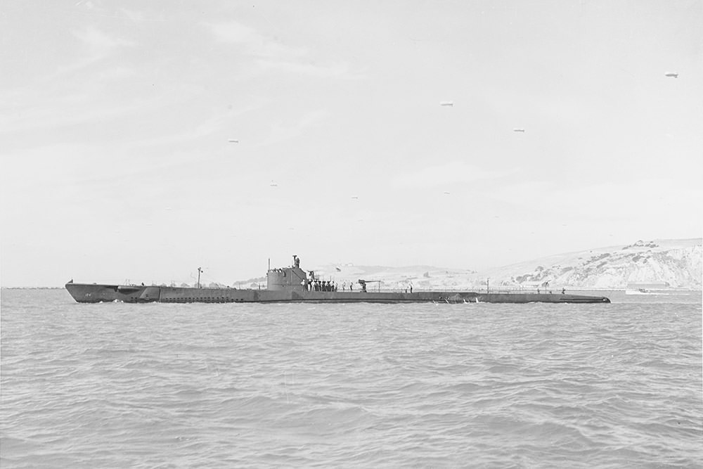 USS Tarpon off the Mare Island Navy Yard, California